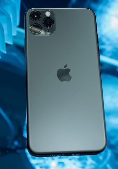 החלפת גב ל iphone 11 פרו