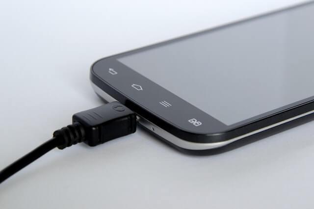 החלפת סוללה למכשירי גוגל פיקסל במעבדת סלפי