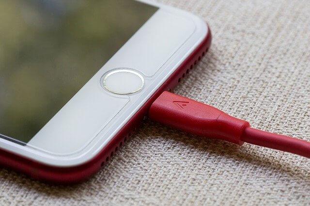 תיקון שקע או רכיב טעינה באייפון במעבדת סלפי
